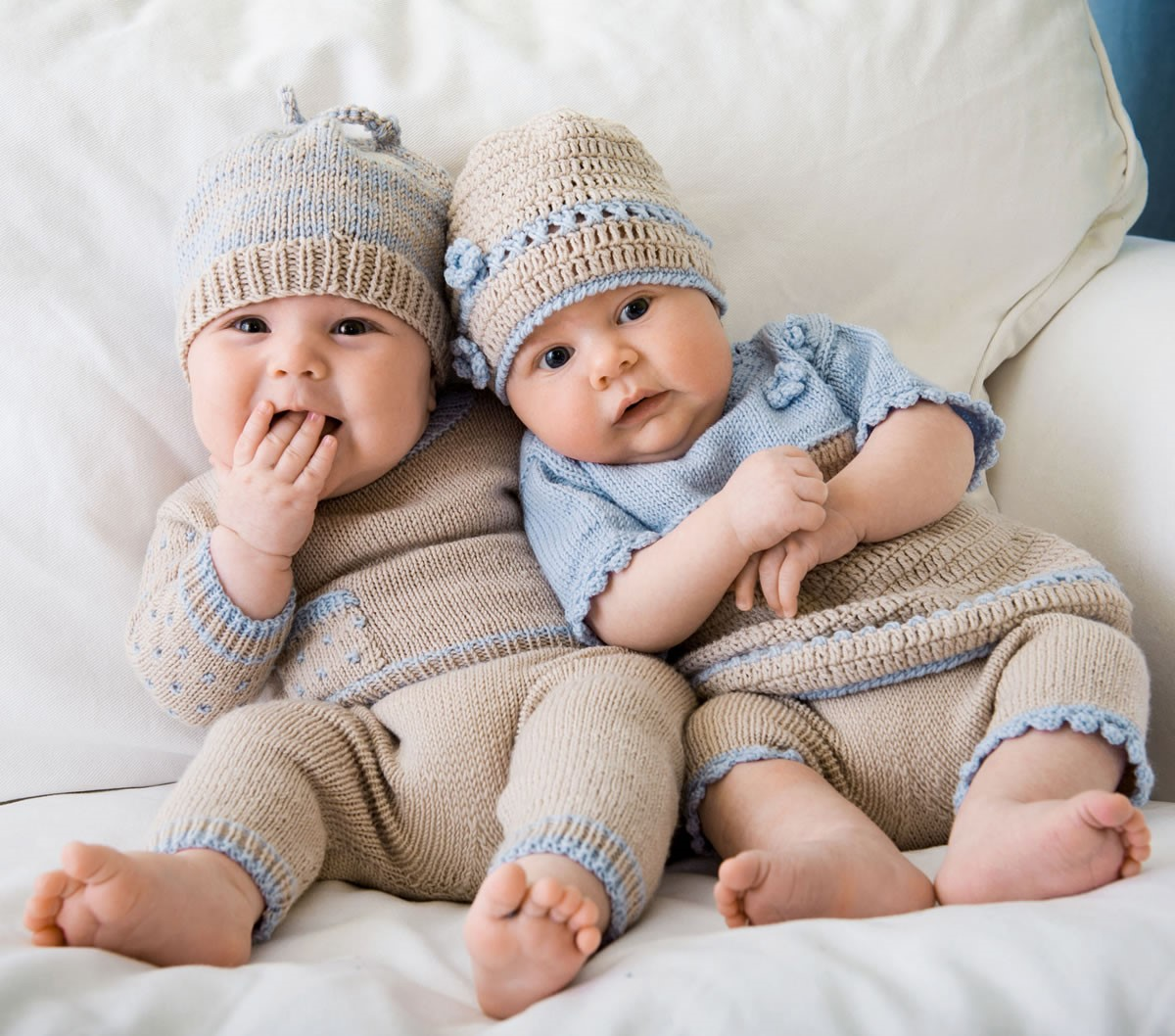 Lana Grossa PULL, PANTALON ET BONNET Cool Wool Baby