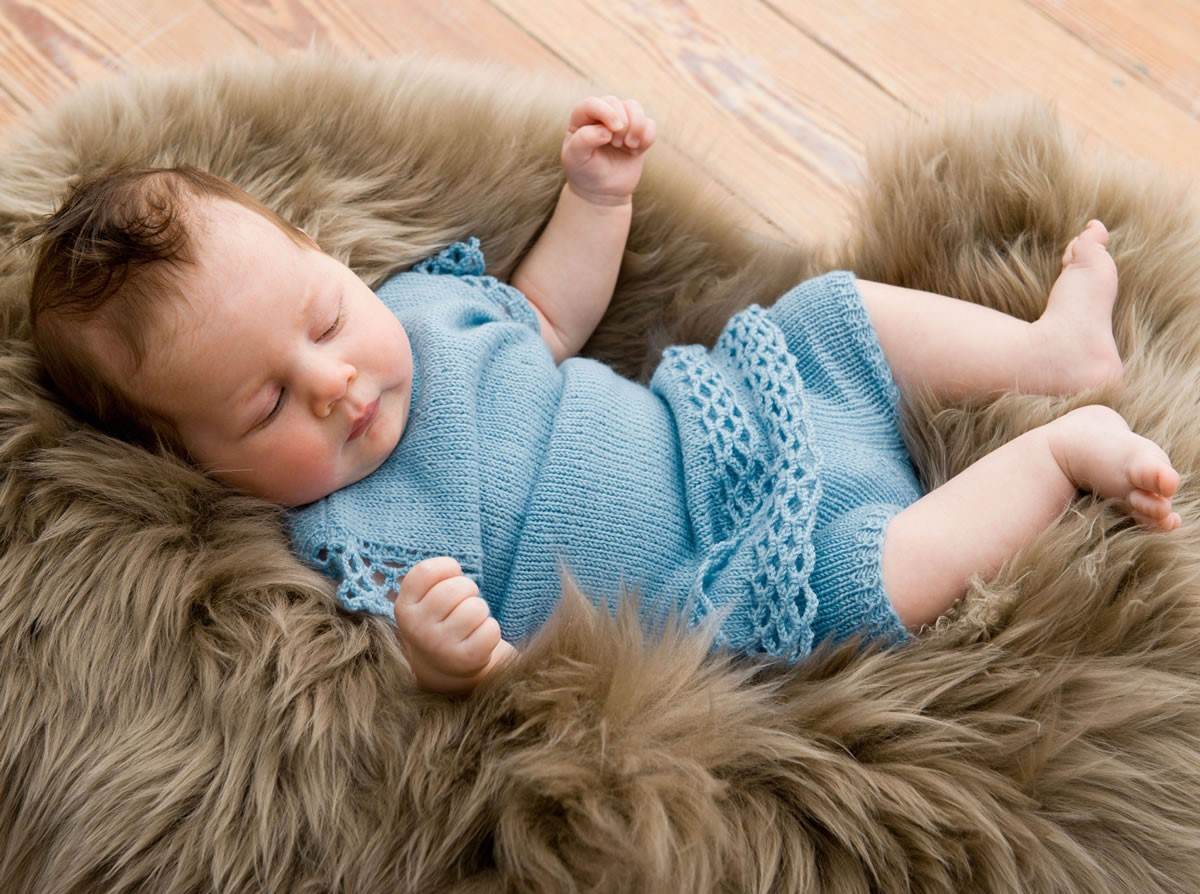 Lana Grossa ROBE ET PANTALON Cool Wool Baby