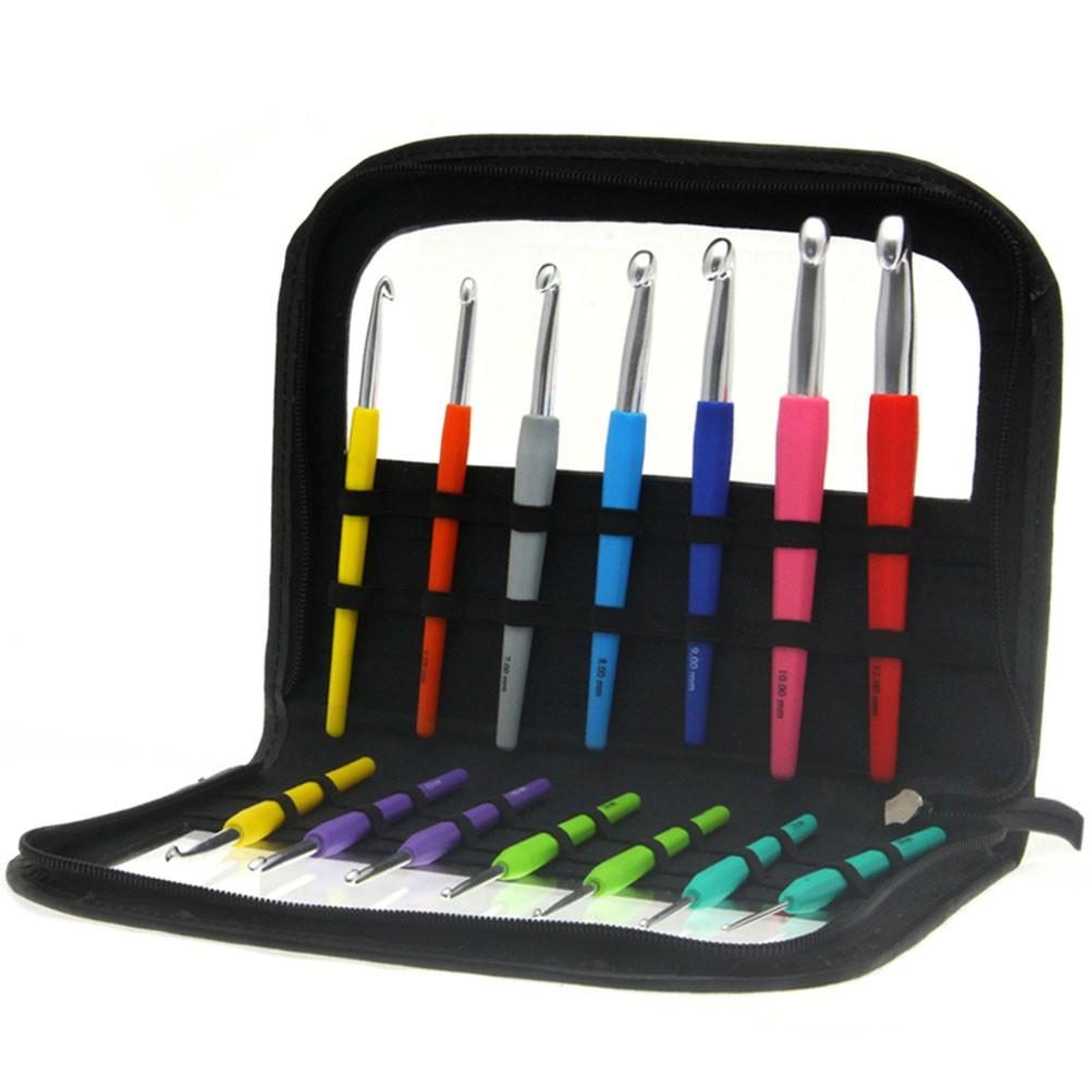 Lana Grossa Ensemble des aiguilles à crochet  avec manche en bois Design Color